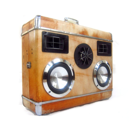 Pimp Your Listen! It's a boom box. It's a vintage suitcase. No, it's a BoomCase | Soundtrack | Scoop.it