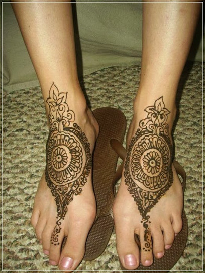 Mehendi Designs for Legs, Bridal Henna Foot designs for Women   CHICS & FASHION   Scoop.it