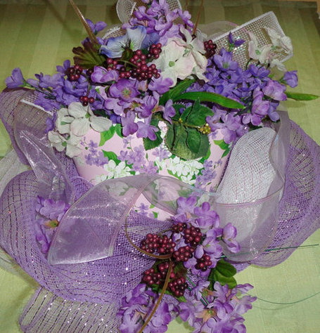 Lilacs violets berries wreath purple white deco mesh | Candy Buffet Weddings, Events, Food Station Buffets and Tea Parties | Scoop.it
