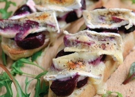 Beetroot & Melted Brie on Toast Recipe : Cook Vegetarian Magazine   Food for Foodies   Scoop.it