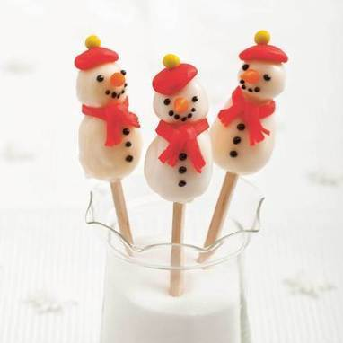 Christmas hamper ideas: Spiced rum cookies recipe  and snowman pops- handbag.com | Candy Buffet Weddings, Events, Food Station Buffets and Tea Parties | Scoop.it