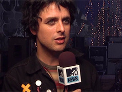 Green Day Explore Their 'Crotch Area' On Brand-New 'Oh Love' - Music, Celebrity, Artist News | MTV | Green Day | Scoop.it