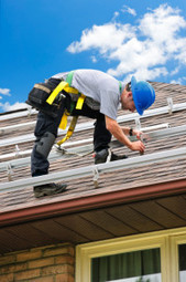 How to Climb and Walk on a Roof Safely - tips from Ramos Roofing and Remolding | Ramos Roofing and Remolding | Scoop.it