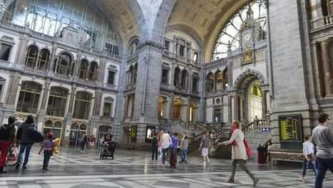 Dino's spotten in Antwerpen-Centraal | KAP-JurakholovaM | Scoop.it