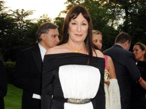 Anjelica Huston: Looks, Love, and Surviving Loss - LifeGoesStrong | Aging Well, Looking Good | Scoop.it