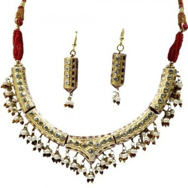 Jaipuri Lacquer Golden Jewellery Necklace Set | Gifting Zone | Scoop.it