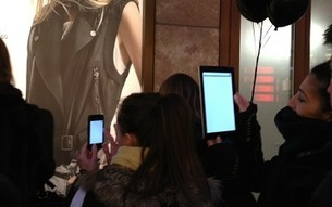 Augmented Reality-Enhanced Fashion Giveaway Draws Crowds Around the World | Augment My Reality | Scoop.it