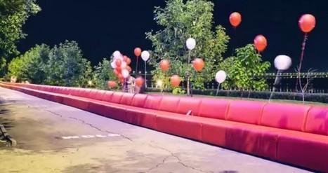 Mnogo Mebili créé le canapé le plus long du monde (1km) ! | streetmarketing | Scoop.it