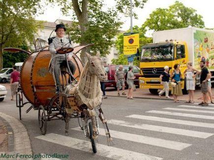Chalon dans la rue : Roulez carrosses et rosses !   CHALON DANS LA RUE 2013   Scoop.it