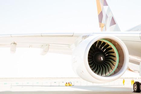 The Dubai 2015 Air Show Has Plenty of Glitz, Metal, and Sunshine   Outbreaks of Futurity   Scoop.it