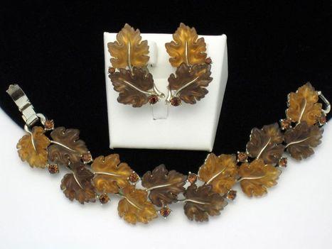 LISNER Thermoplastic Fall Oak Leaf Bracelet & Clip Earrings SET | Pop Goes the Gems! | Scoop.it