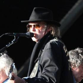 Neil Young covers Bob Dylan at London concert | Music | Scoop.it