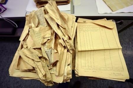 Des documents exceptionnels sur l'Holocauste trouvés dans un mur | Théo, Zoé, Léo et les autres... | Scoop.it