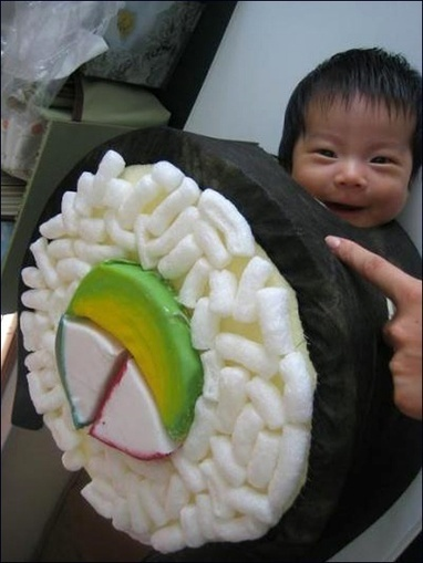 Oh my God, it's an Asian baby in a sushi costume. And he just looks s | FanPhobia - Celebrities Database | Funny | Scoop.it