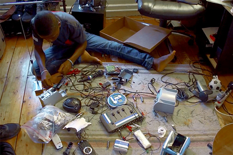 An African Boy Builds A Radio Station From Scrap | Amazing Things | Scoop.it