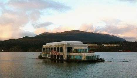 Want fries with that? Creepy floating McDonald's that has been abandoned for nearly 30 years ... | DiverSync | Scoop.it