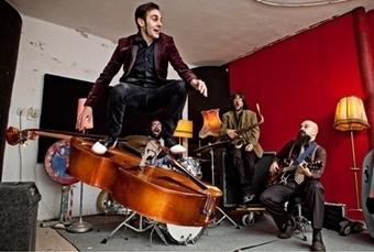 Javier Adán (Dead Capo): ¿Sueñan los androides con tablas de surf a pilas?. Entrevista por Pachi Tapiz || Perfiles || Tomajazz | Noticias de jazz (España) | Scoop.it