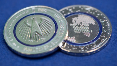 New 'see-through' five-Euro coin unveiled in Munich | Angelika's German Magazine | Scoop.it