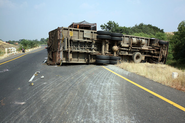 Common Causes of Tractor-Trailer Accidents | Atlanta Trial Attorney  Road SafetyNews; | Scoop.it