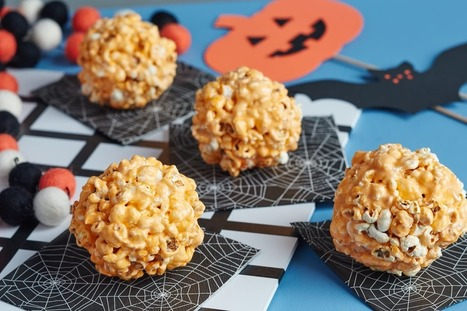 Halloween Popcorn Balls — 10 Spooky Marshmallow Treats | ♨ Family & Food ♨ | Scoop.it
