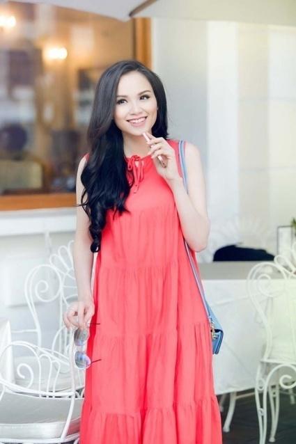 Khám túi xách hàng hiệu giá bình dân của hoa hậu Diễm Hương | TUICOACHVN | Scoop.it