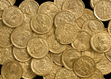 Luckiest Man Alive Finds $156,000 In Gold Coins On First Time Using Metal Detector | Antiques & Vintage Collectibles | Scoop.it