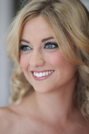 Mobile Hair and Makeup Artist Sydney-Gemma Nichols | Curtains & Tracks | Scoop.it