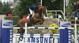 Insolite - Une fillette de 10 ans saute les obstacles comme un cheval | www.soonnight.com | Cheval | Scoop.it