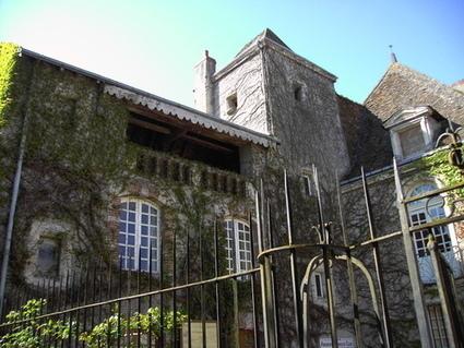 Ces magnifiques chateaux que Cécile Duflot ne réquisitionnera jamais... | ZEBUZZEO | Immobilier France Investir, Tradition, Réalisme... | Scoop.it
