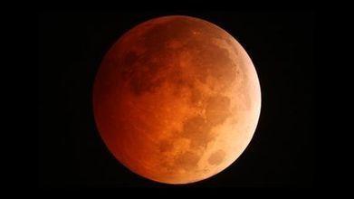 Super Lune et éclipse lunaire, un duo exceptionnel à ne pas ... - Maxisciences | Espace | Scoop.it