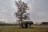Gariottes et dolmens autour de Varaire   Fredorando   Scoop.it