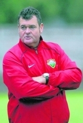 Mick Woodham - performance is key to Windsor FC cup potential | Windsor FC Supporters Club Newsletter | Scoop.it