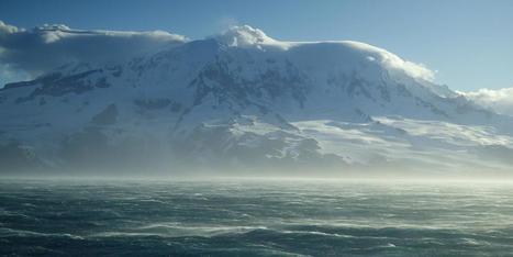 Voyage to underwater volcanoes yields explosive findings   Mineralogy, Geochemistry, Mineral Surfaces & Nanogeoscience   Scoop.it