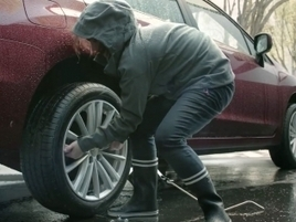 Quietly Amazing Subaru Ad Is About So Much More Than a Girl Changing a Flat Tire | Be Social | Scoop.it