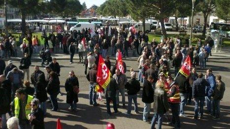 Châtellerault ( 86 ) : 150 personnes mobilisées contre l'austérité - Francetv info | ChâtelleraultActu | Scoop.it