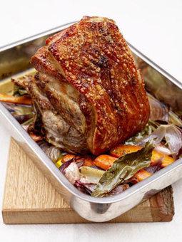 6-hour slow-roasted pork shoulder | Jamie Oliver | Food | Jamie Oliver (UK) | johnsons kitchen | Scoop.it