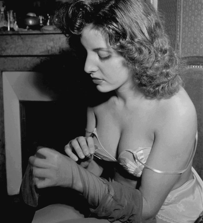 Vintage Delicates | Sex History | Scoop.it