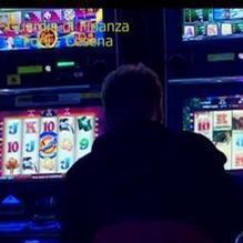 Promotore perde alle slot machine del casinò 9,4 milioni di euro dei suoi clienti - Il Sole 24 ORE | I nostri risparmi: allargare gli orizzonti per capire i dettagli | Scoop.it