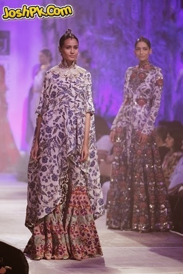 Indian Wedding Dresses For Bride By Anamika Khanna At PCJ Delhi Couture Week 2013 | Indian weddings | Scoop.it
