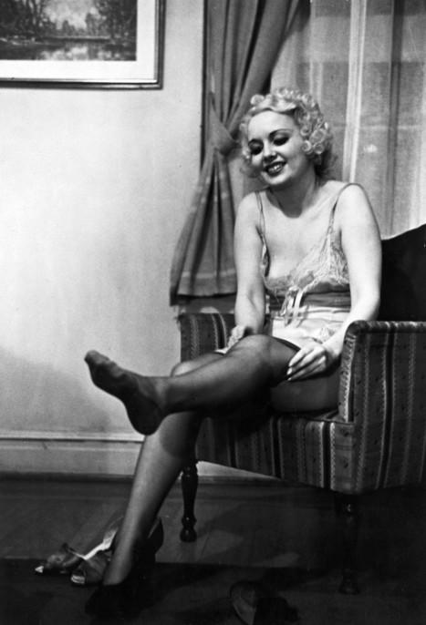 PHOTOS: Sex Advice From 1930s Burlesque Stars | Pan Pan Pan | Scoop.it