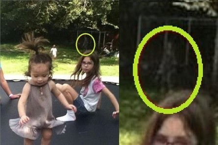 Eerie figure photographed in family photo | E.A.P.I. | Scoop.it