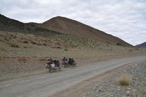 seuls au monde pour la traversée de l'Altaï - les tribulations d'Altaï et Khan | Les sites favoris de balade à moto | Scoop.it