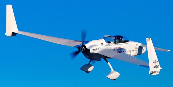 Post-Sapiens, les êtres technologiques - This Record-Breaking Electric Plane Stomps a Gas-Powered Cessna | Autopia | WIRED