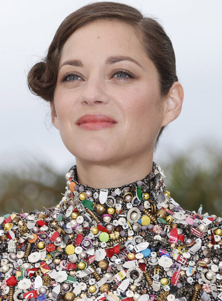 Cannes Film Fesitval: Marion Cotillard's Haute Couture 'bits and bobs' dress - Telegraph.co.uk | Digital News | Scoop.it