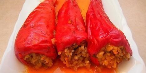 Arda'nın Mutfağı: Zeytinyağlı Kırmızı Biber Dolması Tarifi | Katmer Poğaça Tarifi | Scoop.it