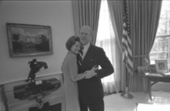 President Gerald R. Ford and First Lady Betty Ford Embracing in the Oval Office, 12/06/1974 | Southmoore AP United States History | Scoop.it