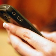 Téléphones portables: 12 façons de limiter son exposition aux ondes électromagnétiques   Faut-il craindre les ondes des téléphones portables ?   Scoop.it