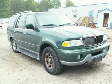 Salvage 2000 Green Lincoln Navigator with VIN 5LMPU28A5YLJ13103 on auction | VEHICLES on Auction | Scoop.it