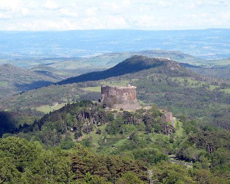 L'Auvergne, une destination touristique de qualité - Locations de vacances écologiques, adresses de chambres d'hôtes bio de charme, écotourisme, vacances nature, gîtes verts, tourisme durable | Vacances écologiques et éco-tourisme | Scoop.it