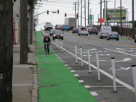 How American Cities Are Making the Transition to Protected Bike Lanes   Streetsblog San Francisco   Compact Cities   Scoop.it